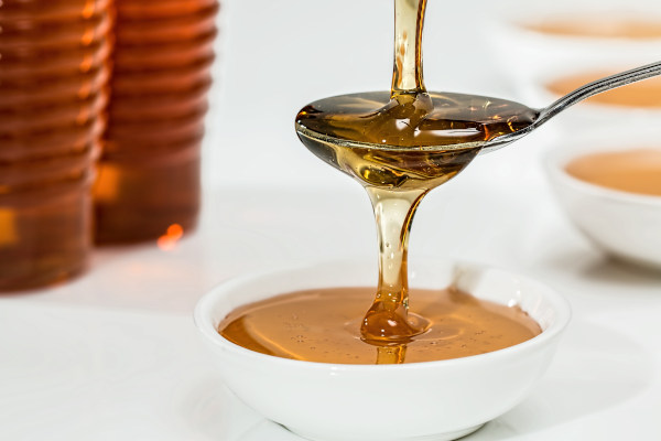 honey on a spon