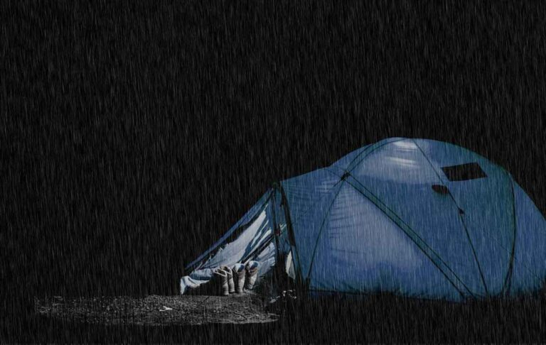 waterproof tent in rain